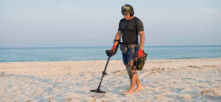 détecteur de métaux à la plage