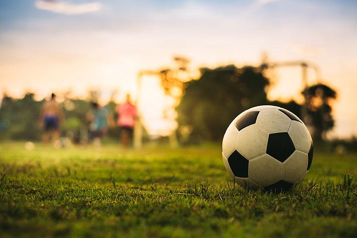 jouer au foot à la maison