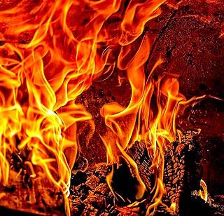 Soufflet pour attiser les flammes de la cheminée